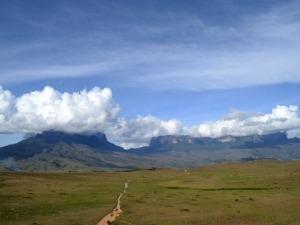 Instituto Dharma e Gente de Montanha realizam expedição solidária ao Monte Roraima