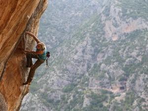 Angela Eiter é primeira mulher do mundo a completar uma via 9b/12b