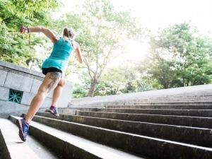 Saiba como usar o treino em escada para correr melhor na montanha