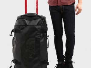 Saiba o que as companhias aéreas permitem levar como bagagem de mão