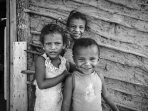 Karina Oliani e Instituto Dharma laçam novo livro de fotografias