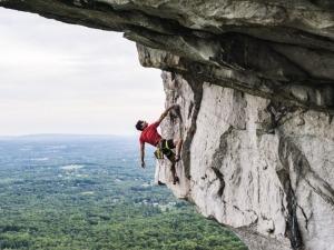 Jovens criam plataforma para popularizar a escalada no Brasil
