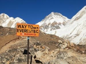 Everest terá estrutura que transforma dejetos humanos em energia