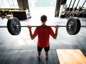 Puxar peso pode te ajudar a escalar melhor e evitar lesões