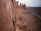 Daniel Woods escalando em Utah