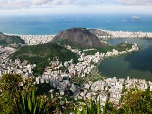 Projeto social leva escalada a comunidades cariocas