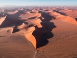 O sol baixo produz sombras incríveis no deserto. - Foto: Cristiano Xavier/OneLapse