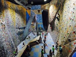 Casa de Pedra comemora 20 anos com escalada grátis