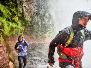 6 dicas para permanecer seco mesmo nas trilhas molhadas