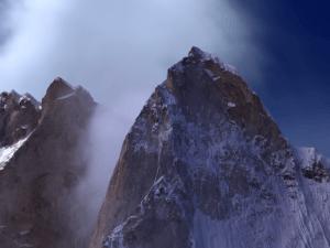 Meru: o documentário que mostra uma das escaladas mais perigosas do mundo