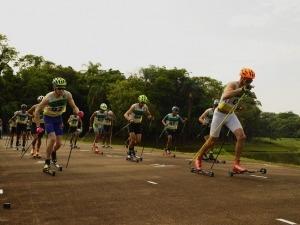 """Rollerski: descubra os detalhes do """"ski com rodinhas"""""""