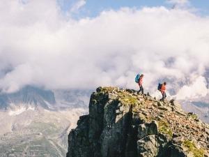 Conheça o Tour du Mont Blanc: Uma trilha linda pelos alpes