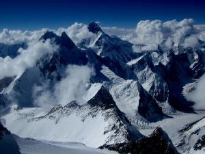 Brasileiros chegam ao cume do K2