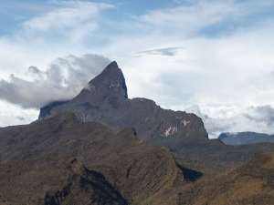 Pico mais alto do Brasil volta a ser aberto ao turismo