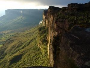 Conheça os 7 picos mais altos do Brasil