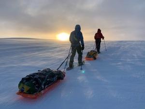 Brasileiro conta como foi atravessar a Islândia a pé no Inverno