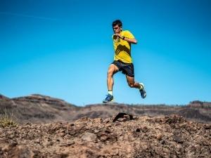 Pau Capell corre o percurso do UTMB sozinho em busca de recorde