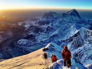 """Filme """"Além dos Sonhos"""" mostra a superação de um brasileiro rumo ao Everest"""