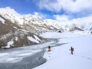 Karina Oliani lidera trekking no Annapurna com curso de medicina de altitude
